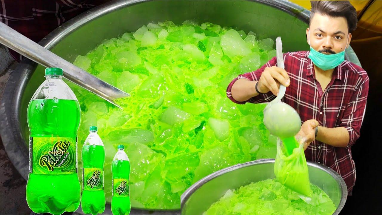 Famous PAKOLA JUICE | Ice Pakola Milk Shake | Street Drink of Karachi Pakistan | Summer Drink