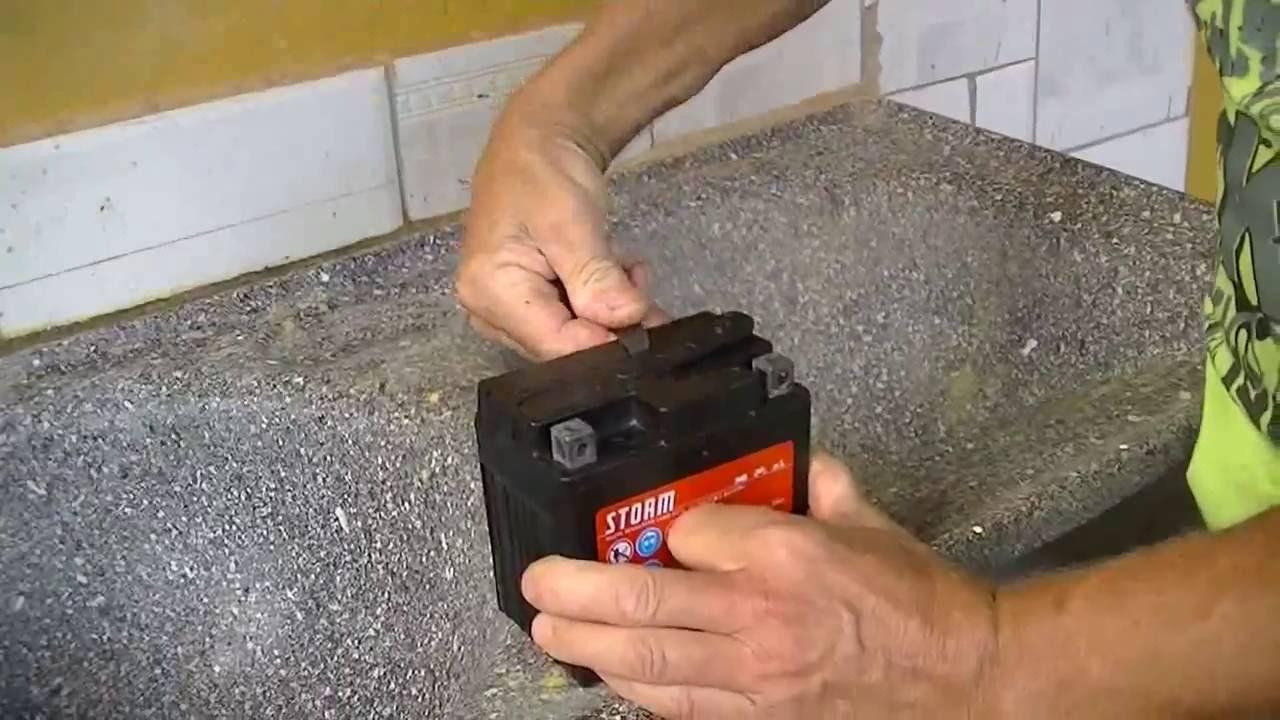 como recuperar bateria de moto pifada com gasolina e agua