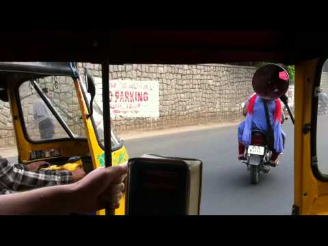 Travelling with a tuktuk in Hyderabad