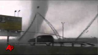 raw video oklahoma tornado caught on tape