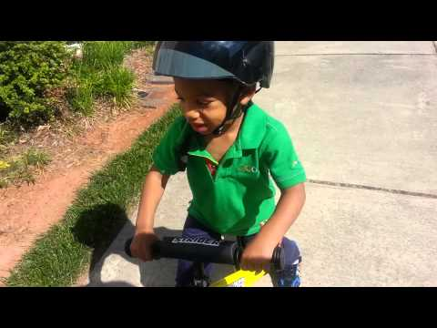 Exander flying kite: ride bike to mall part 2