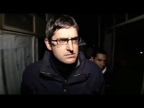 Entering A Hijacked Building - Louis Theroux: Law and Disorder In Johannesburg - BBC