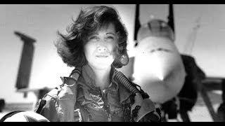 Nữ cơ trưởng thần kinh thép cứu sống 148 mạng người trong vụ nổ máy bay ở độ cao 10.000 m