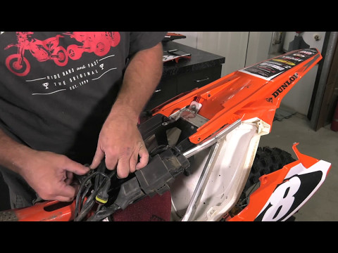 KTM 450 505 SX 2009–2010 450 525 XC 2008–2010 Quad Tusk Battery /& Charger FITS