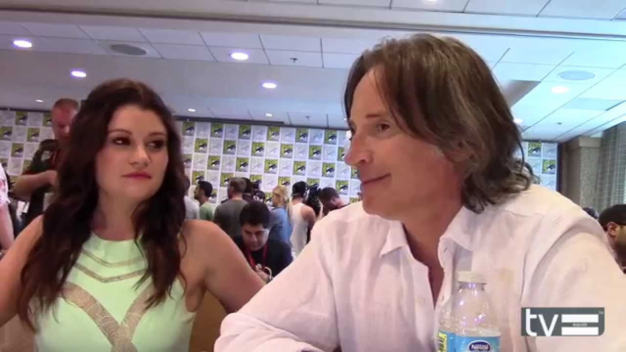 Robert Carlyle And Emilie De Ravin Interview
