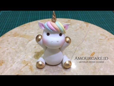 How to Make A Fondant Unicorn Cake Topper - YouTube