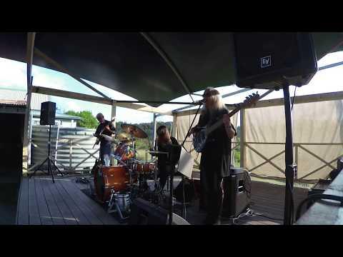 Rebecca Johnson Band *SIGN O` THE TIMES* Live @ The Catho Pub ( 21/4/18)