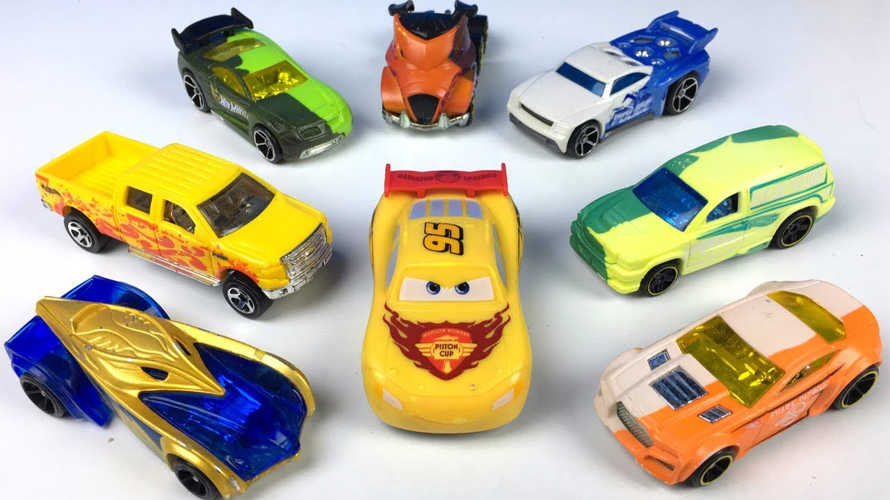Hot Wheels Color Shifters Race Cars And Disney Cars Color Changers Racing And Changing Story