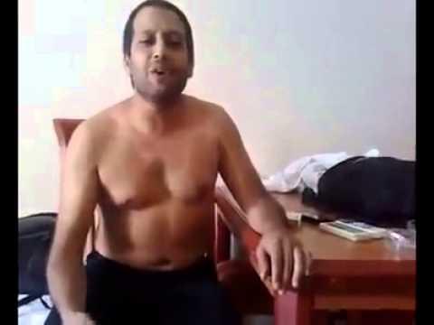 Popstar Erkan otel odası prova çıplak müzisyenler