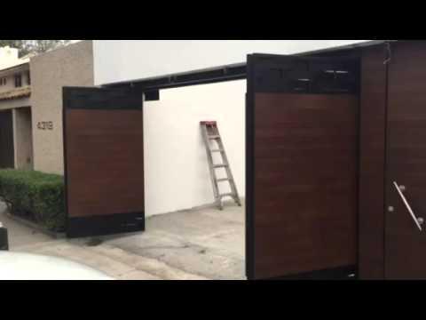 Puertas plegadizas forro imitacion madera youtube for Puertas imitacion madera exterior