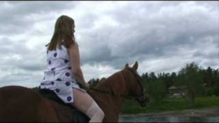Warm horse, cold water and the riding lady