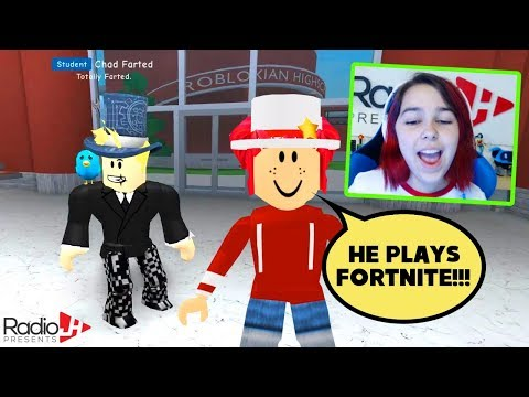 My Tour Guide Plays FORTNITE!!! | Roblox ROBLOXIAN HIGH SCHOOL W/ Gamer Chad