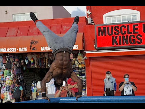 MEET THE DEFENDERS OF MUSCLE BEACH!