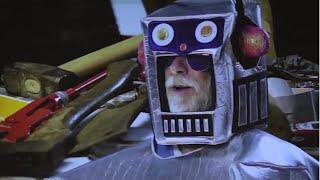 Helge Schneider als Roboter