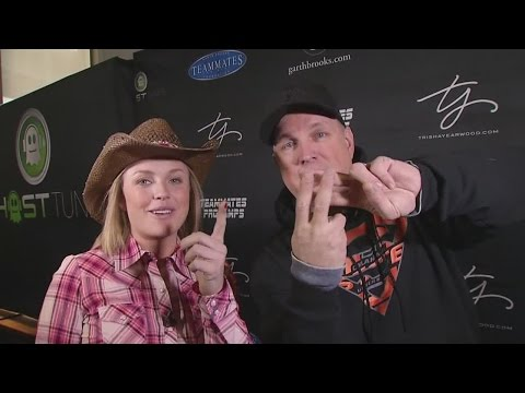 Garth details his love for performing