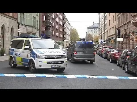 Armed robberies and bomb threat in centre of Stockholm