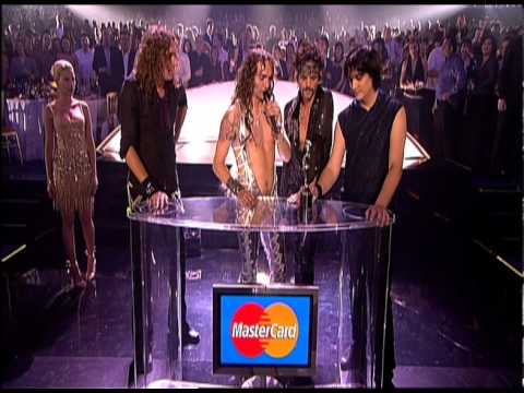 The Darkness win MasterCard Album of the Year presented by Scarlett Johansson | 2004