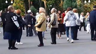 А вишня в саду.Народные танцы,парк Горького,Харьков!!!Сентябрь 2020.