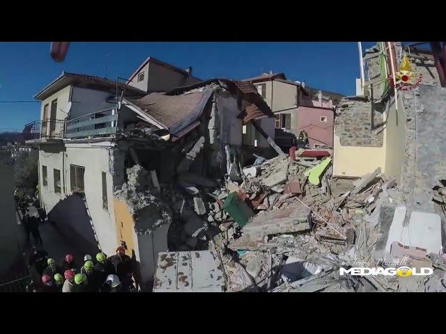 Arnasco continua i soccorsi dopo esplosione palazzina: video #1