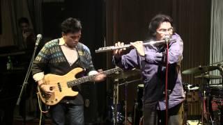 Barry Likumahuwa & Benny Likumahuwa - Away in a Manger @ Mostly Jazz 23/12/12 [HD]