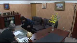 取引先との商談中に先方から紹介された新人の秘書とやらが延々とパンチ...