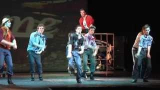Footloose aneb Tanec není zločin (Dean Pitchford, Walter Bobbie, Tom Snow)