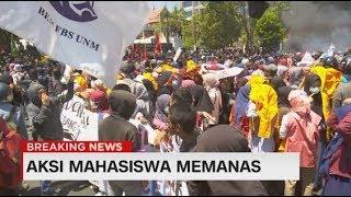 Aksi Unjuk Rasa Mahasiswa Memanas