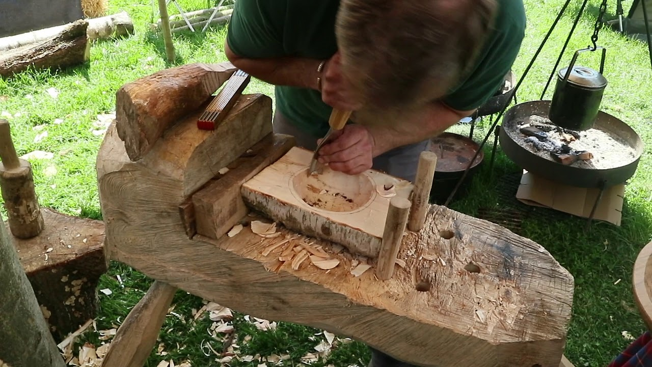 Bowl-Carving Demonstration at the Bushcraft Show 2019