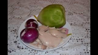 Салат с зелёной редьки ,курицы и лука