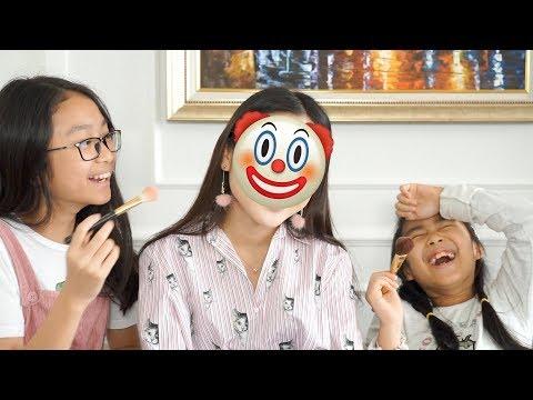 CHALLENGE: SISTERS DO MY MAKEUP - Thử Thách Tài Makeup Của 2 Cô Em 👯 | Chloe Nguyen