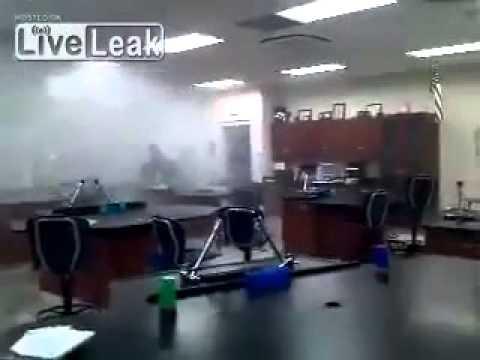 Teaching Fail!! Chemistry Teacher Experiment Goes Wrong
