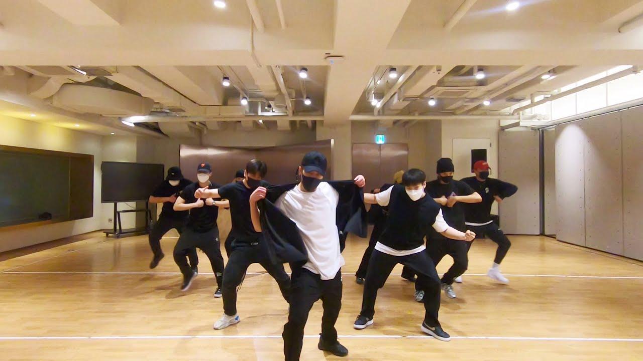 XIUMIN 시우민 'Shake' Dance Practice