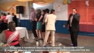 Dansul pinguinului la nunta ...mori de ras =))