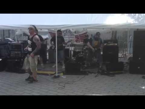 Enziguri New Age live from Punk Island 2015