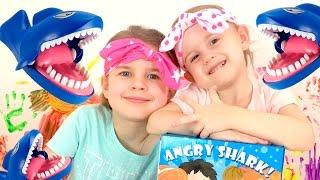 Акула - игра! 🦈 Настольные игры! Видео для детей! 👨👩👧👧 Ксюша и Алиса играют в новую игру!