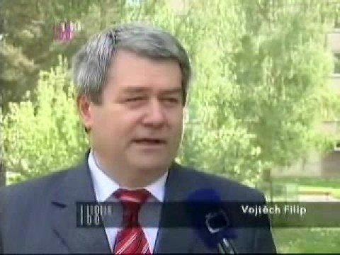 VII. sjezd KSČM - antikomunistická reportáž v České televizi