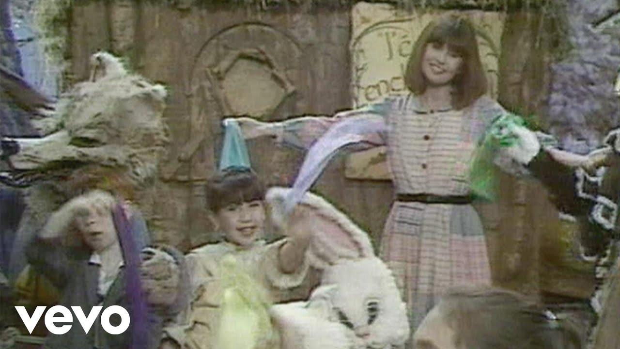 comparer les prix hot-vente dernier chercher Adieu les jolis foulards (Le monde magique au château de  Saint-Loup-sur-Thouet 1988)