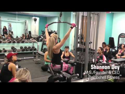 WIDE GRIP PULLDOWN - Shannon Dey