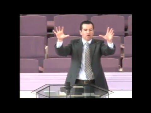 """""""Vive En Paz, No En Guerra"""" - Pastor De Anda"""