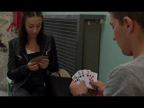 Chcieli odzyskać stracone pieniądze. Nagrali ją jak oszukiwała w pokera [Szkoła odc. 629]