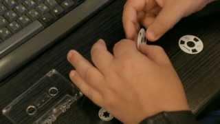 Кассеты с катушками своими руками (Reel to Reel cassette hand made)(Создаем своими руками классическую кассету с катушками. Другие статьи и обзоры на сайте BoomboxPilot.ru Оригиналь..., 2013-07-29T00:01:04.000Z)