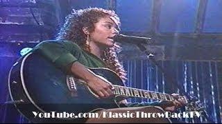 "Wyclef Jean ft. Claudette Ortiz - ""Two Wrongs"" Live (2002)"