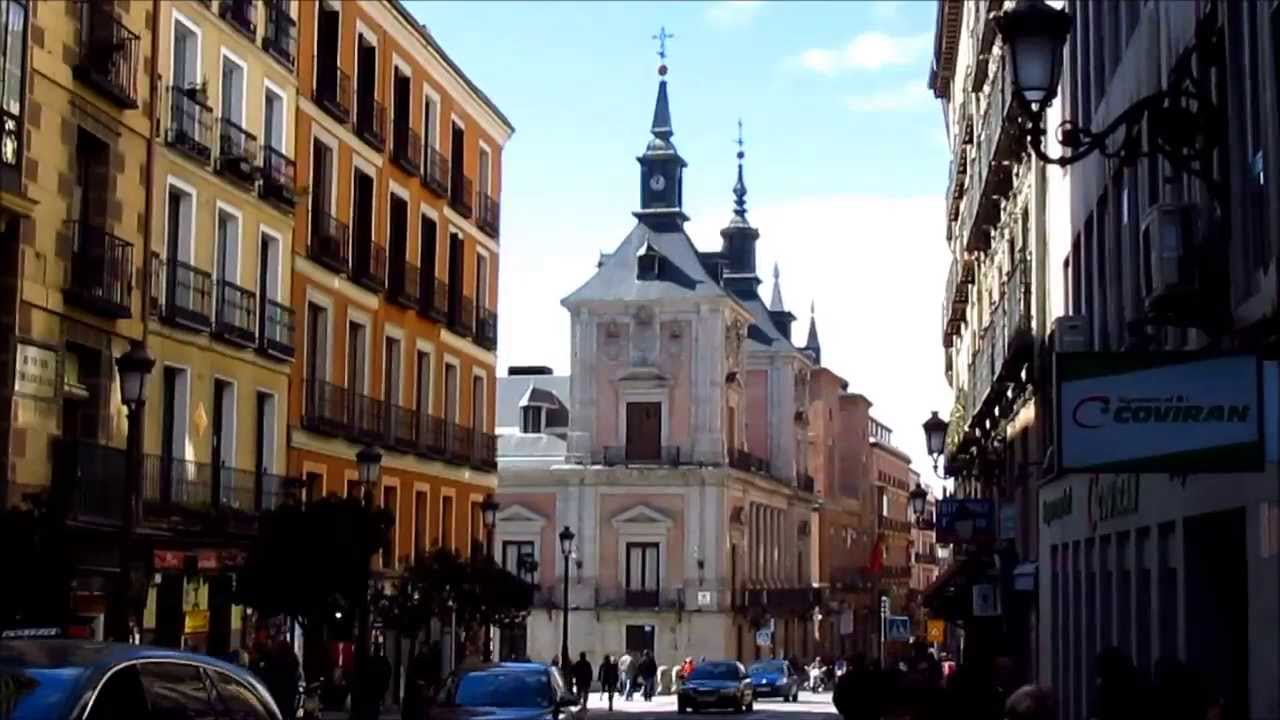 Madrid spain calle mayor the main street in the old for Calle sol madrid