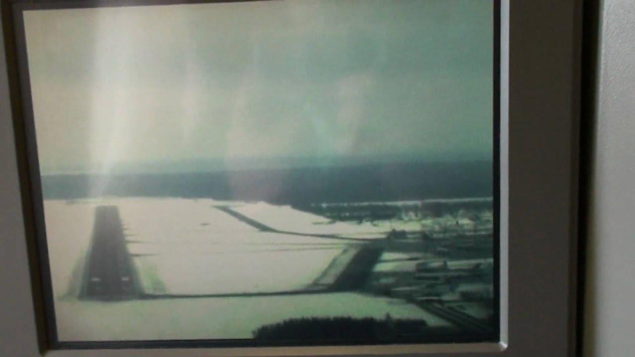Emirates B777 300er Landing In Domodedovo Youtube