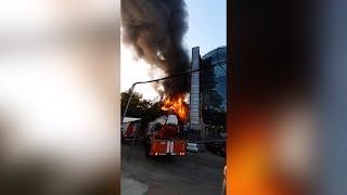 В центре Новосибирска загорелся ресторан