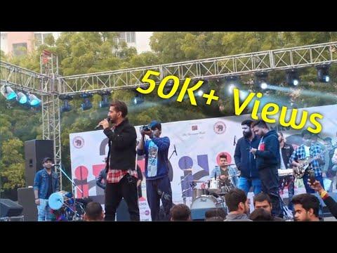 #Maninderbuttar Maninder Buttar Live Performance || Sakhiyaan Live || DCAC || Delhi University || 01