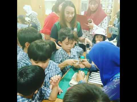 Ethan at art and handicraft Brunei
