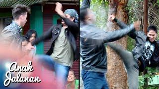 Video Wow, Boy & Chandra Keren Banget Menghajar Preman [Anak Jalanan] [28 Jan 2016] download MP3, 3GP, MP4, WEBM, AVI, FLV Mei 2018
