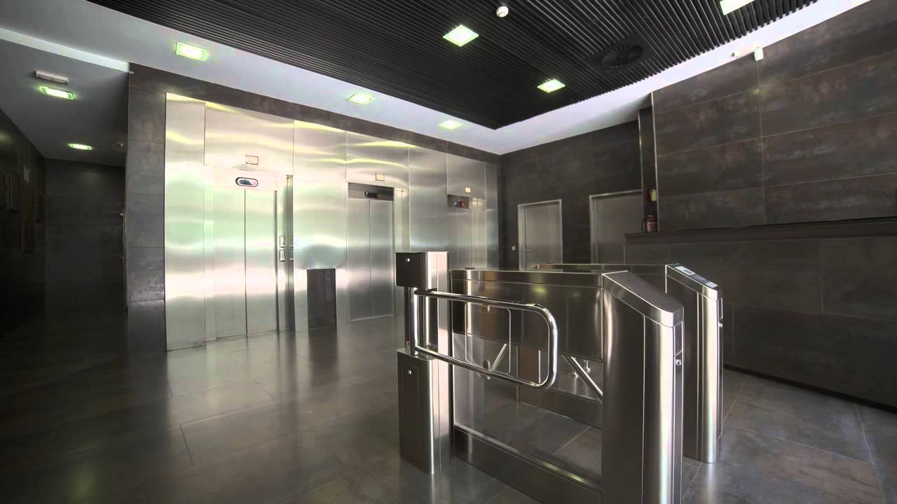 Alquiler de oficinas parque empresarial avalon calle santa leonor 65 madrid youtube - Oficinas santa lucia madrid ...