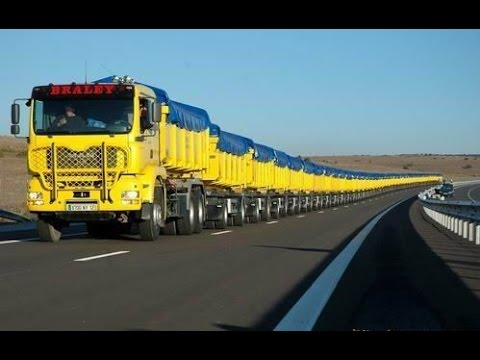 Aussie Truck Driver Gets His First From Another Dude